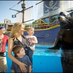 Sheryl Crow Meets Clyde the Sea Lion at SeaWorld Orlando
