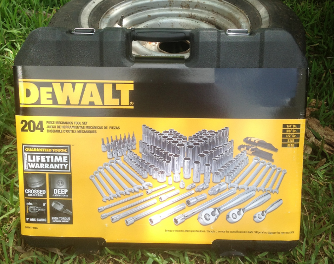 Dewalt 204 pc. Mechanics Tool Set