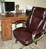 BrylaneHome Extra Wide Women's Office Chair