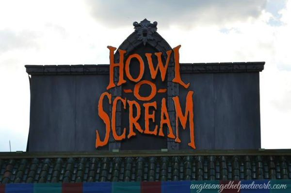 Howl-O-Scream Cursed 2014