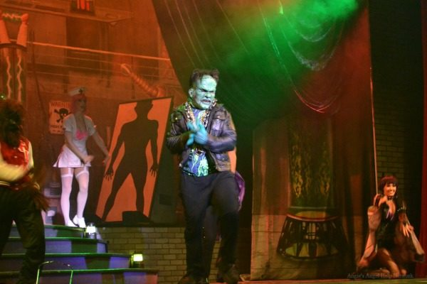 Howl O' Scream Unearthed 2015