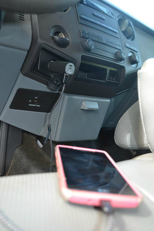 Nomad Roadtrip For On The Go And In The Car Charging