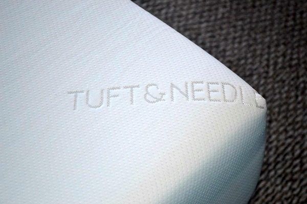 Tuft & Needle Makes It Easy To Give The Gift of Good Nights Sleep
