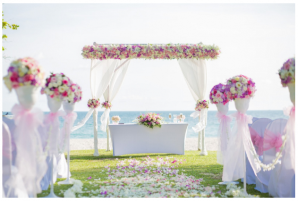 How To Plan A Successful Getaway Wedding That Includes Kids