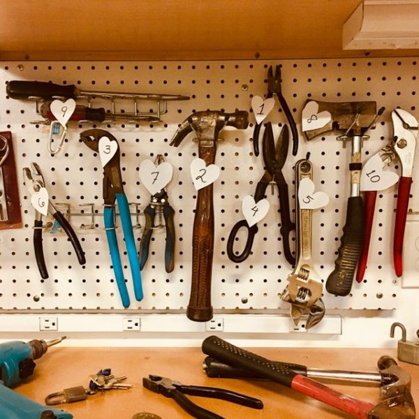 6 Tricks on How to Save When Shopping for Tools
